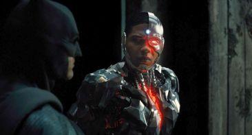 DC_Comics_na_receita_e_entrega_uma_Liga_da_Justiça_que_vale_a_pena_assistir_Cinema_no_Escurinho (18)